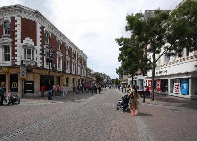 How Gravesend Town Centre looked in 2009