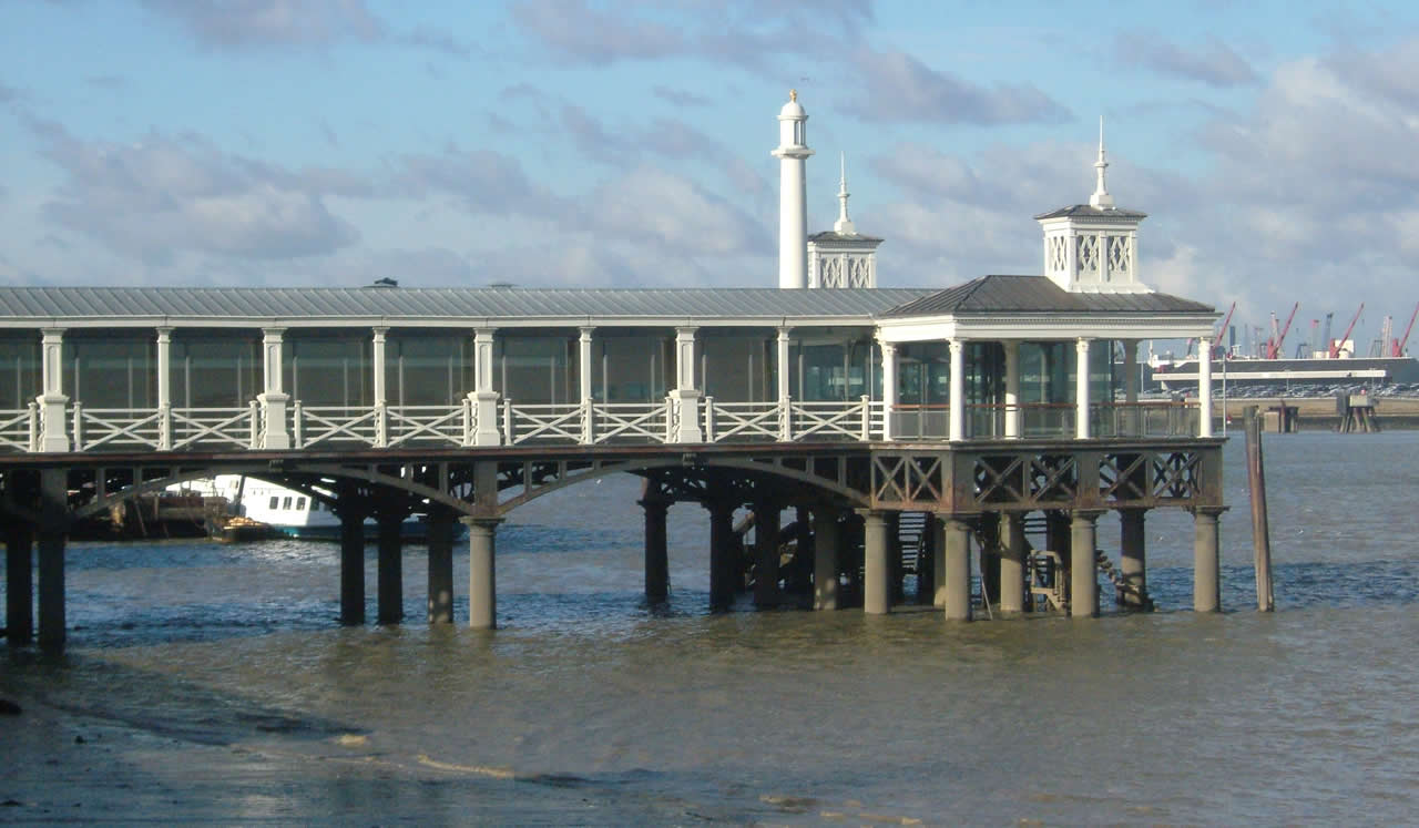 Gravesend Town Pier History